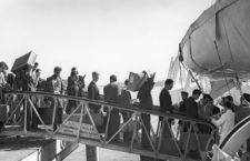 Emigrantes italianos embarcan en Génova con rumbo a Argentina ca. 1930. Foto: Getty.