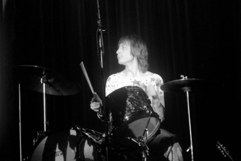 Charlie Watts durante un concierto de los Rolling Stones en 1970