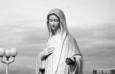 Medjugorje, con flores (y nacionalismo) a María